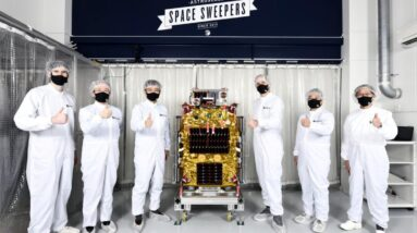 Robot garbage hunters are coming to clean up space