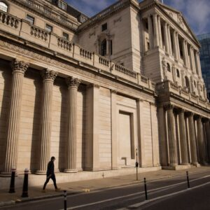Bank of England's Divisions Resurface on U.K. Economic Outlook